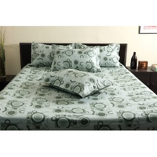 Green Green King Bedsheet with 2 Pillow Covers (Bedsheet (King))