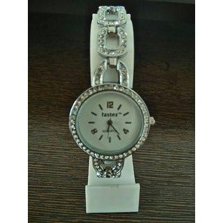 stylus watch round dial with diamond