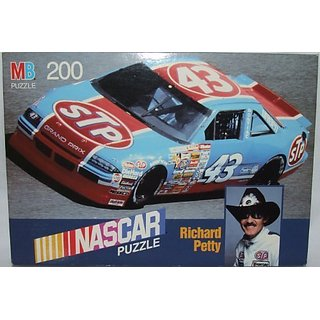 Richard Petty 200 Piece Nascar Puzzle (12 1-8 X 16