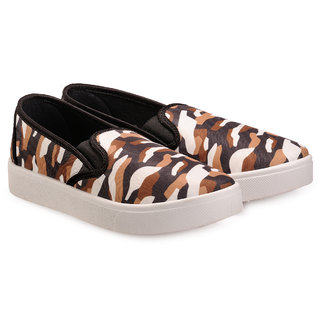 Nell Women Black Slip on Casual Shoes