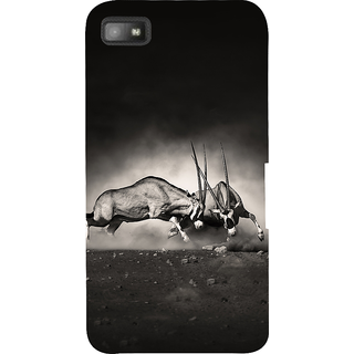 Snapdilla Artistic Vintage Wild Bull Fight Lovers Black  White Cell Cover For BlackBerry Z10