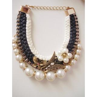Pearl English look neckpiece