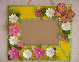 Photoframe with Paper Flowers