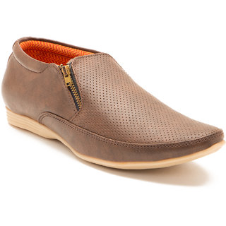 Randier Men Brown Loafers