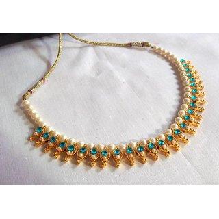 Sea blue pearl necklace