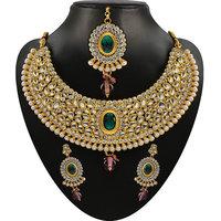 Soha Fashion by JewelMaze Zinc Alloy Gold Plated Green Kundan Necklace Set With Maang Tikka-FAF0216