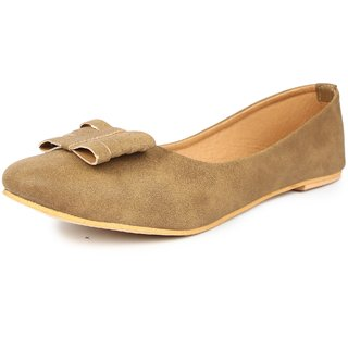Finesse Women's Beige Bellies
