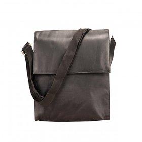 Deeya Unisex Black Genuine Leather Messengerbag