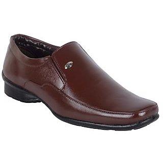 Walkalite Men's Brown color formal Slip-on Shoes