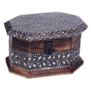 Premium Quality Wooden Hand Carved Jewellry Box With Hand Carved Design