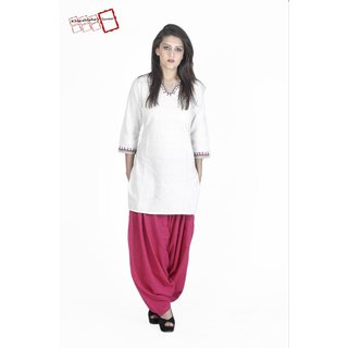 Harini Straight Fit off-white Handloom Kurta with Hand Embriodery