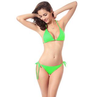 Muquam Green Solid Polyester Triangle Cup Bikini