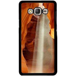Fuson Designer Phone Back Case Cover Samsung Galaxy E5 ( Seeping Light )