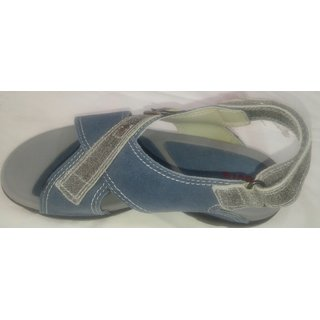 Origional Levi's Floaters Blue/Grey 8-9yrs