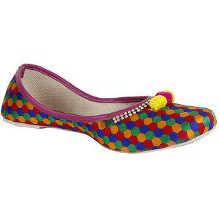 Saashiwear Women's Multicolor Jutti