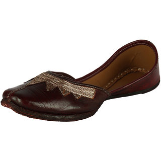 Saashiwear Women's Brown Jutti