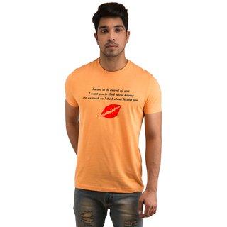 Snoby Kissing ME  U Printed T-shirts