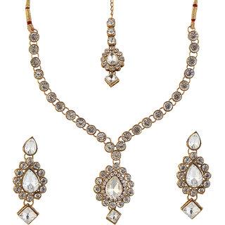Vivant Charms by JewelMaze Kundan  Zinc Alloy Gold Plated Necklace Set With Maang Tikka-FAH0029
