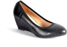 Steps Women's Black Wedges
