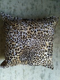 spotted cushion cover of 5 in 12 inch