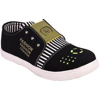 Trilokani Smart Sandals For Girls