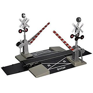 Bachmann Industries Large &Quot;G&Quot; Scale Steel Alloy Track With Operating Crossing Gate