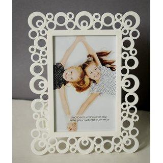 White Designer Circular Motif Table Photo Frame - 4x6