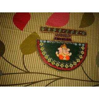 wooden keyholder of ganesha