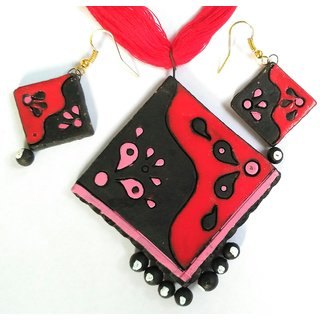 BongCrafts Terracotta Red and Black necklace with matching earrings