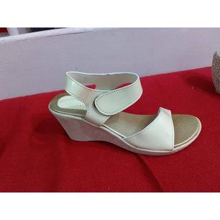 Ladies Creamy Sandle White Colour