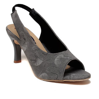 MSC Women's Gray Heels