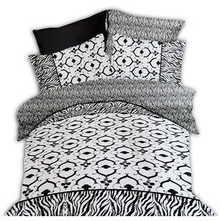 Jagdish Store Black and White Cotton Bed Sheet with 2 Pillow Covers