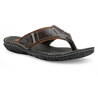 4945009793e36 Buy Lee Cooper Tan Casual Flip Flops Online - Get 15% Off