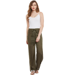 Famous by Payal Kapoor Green Regular Fit Plain Casual Pant for Women