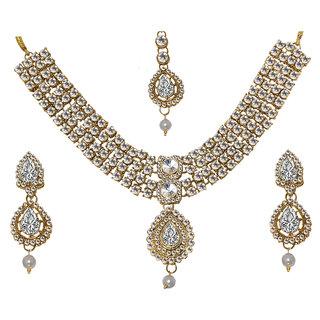 JewelMaze Zinc Alloy Kundan Gold Plated Austrian Stone Bridal Set With Maang Tikka-FAH0098