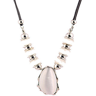 Rizir Fashion Women'S White Majestic Stone Necklace Metal Alloy And Stones (Pack Of 1)