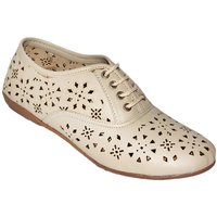 Hansx Women's Cream Smart Casuals Shoes