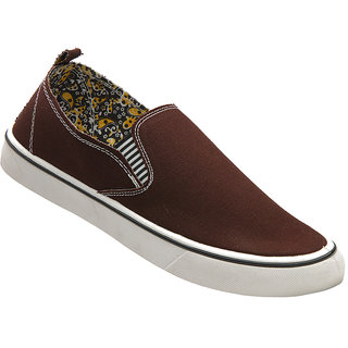 Walkaroo Brown Color Loafers For Men