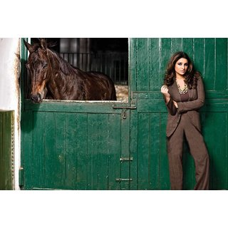 MYIMAGE Bollywood Actress Parineeti Chopra Digital Printing Canvas Cloth Poster (Canvas Cloth Print, 12x18 inch)