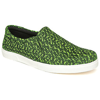 Quarks Men's Green Smart Slip On Canvas Casual Shoes