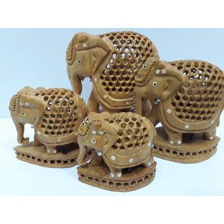 Fine jaali elephant with babe elephant in it