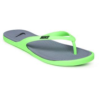 56a96e276ac Buy NIKE MATIRA THONG Men s Slippers Online   ₹1395 from ShopClues