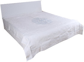 Kalakriti Premium Quilts Off White color Standard Size
