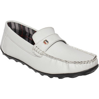 9c7b2bc2e5d Buy DESI JUTA Synthetic White Men Loafers Online   ₹749 from ShopClues