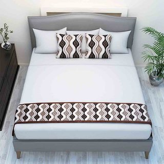 The Intellect Bazaar Chenille Printed Bed Runner With 2 Cushion Covers Brown