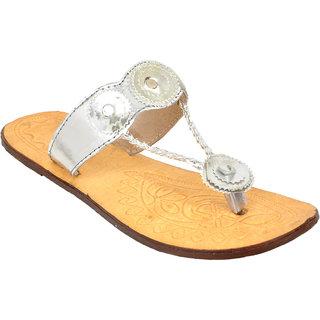 Altek Silver Leather Kohlapuri Slipper For Women ( ALTEK13218SILVER )