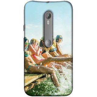 FUSON Designer Back Case Cover for Motorola Moto X Style :: Moto X Pure Edition (Group Of Happy Young Woman Feet Splash Water In Sea)