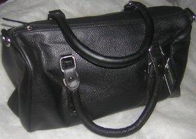 Ladies Beautiful Leather Bag Black