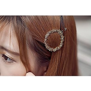 Homeoculture Pack Of Two Delicate Metal Silver Star Surround Girls Hair Grips Hair Clips Side Hairpin Women Hair Accessories
