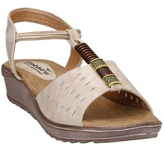 CatBird Women's Cream Sandals